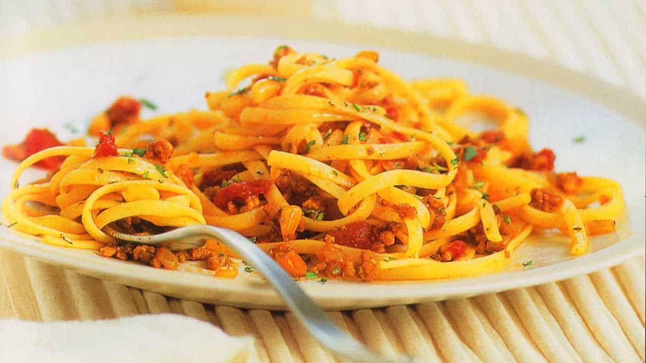Meat sauce spaghetti recipe-Ligurian mushroom meat sauce pasta-www.eatopic.com