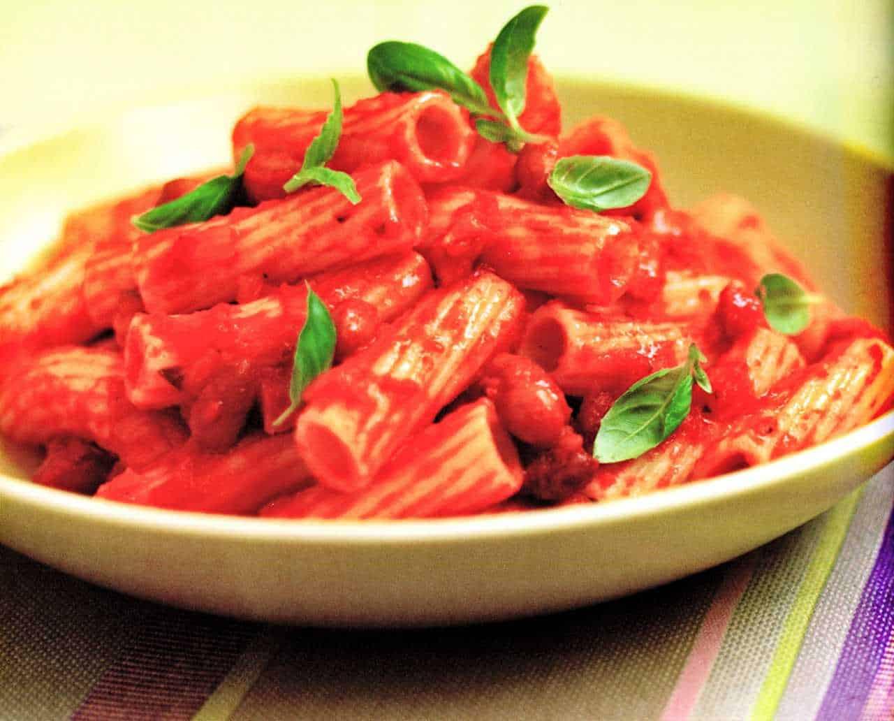 Pasta con pancetta e bacon-Pancetta And Bean Rigatoni-www.eatopic.com