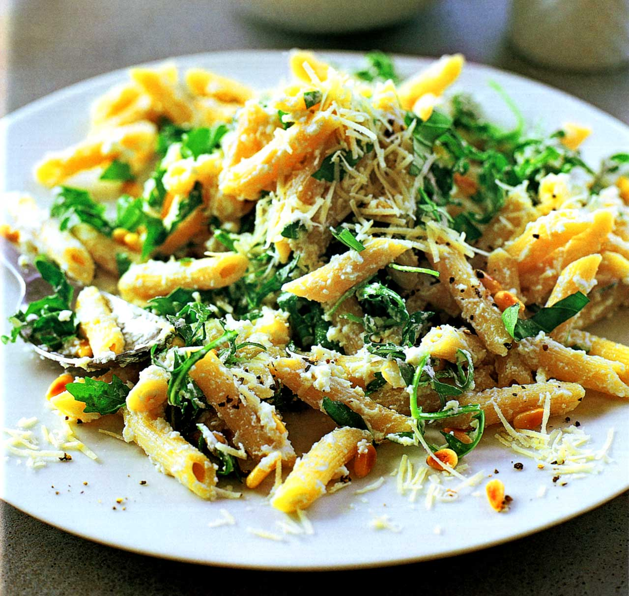 penne pasta recipe-parmesan pasta sauce www.eatopic.com