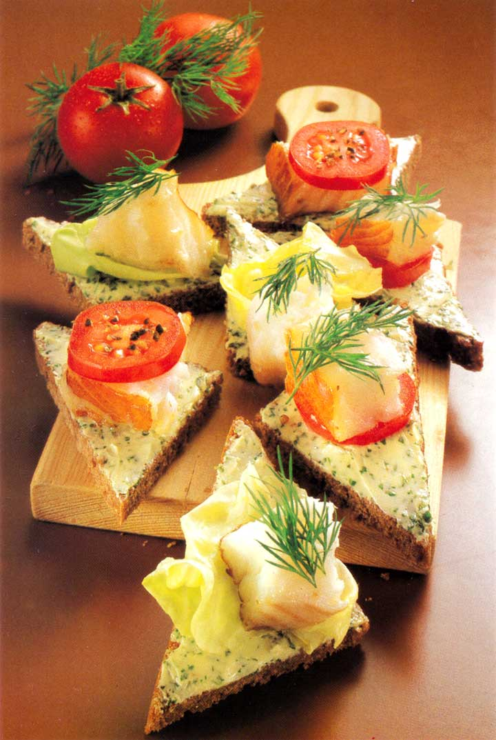 Recipes for Parties-Smoked Fish Canapes-easy party canape recipe www.eatopic.com