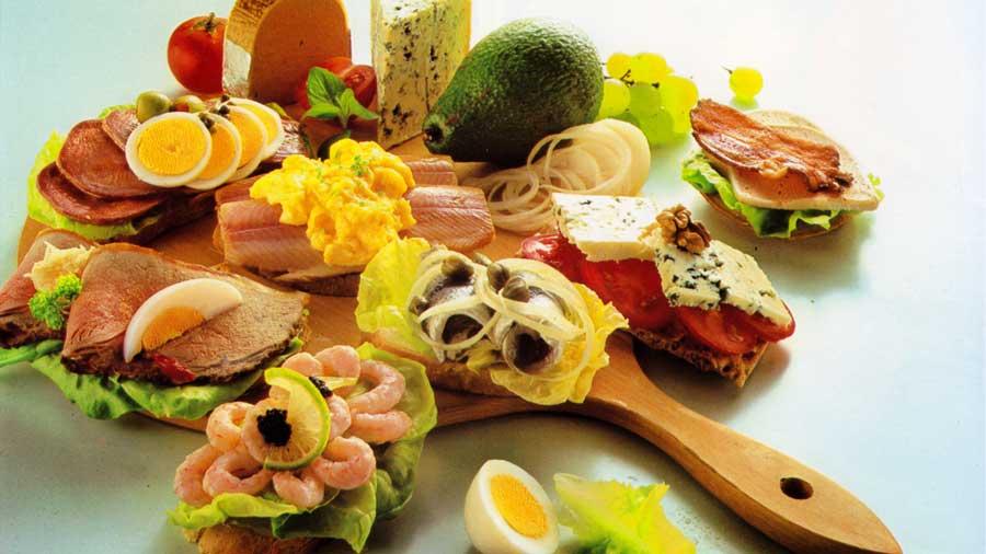 Smorgasbord Favourites-Egg and Tongue-calories-homemade-www.eatopic.com