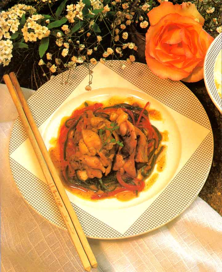 Chinese Cuisine-Chicken in Hot Pepper Sauce Recipe-calories-Easy-chinese cuisine-protein-carbs-www.eatopic.com