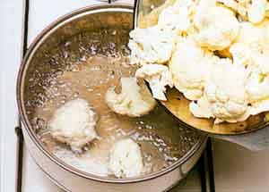 Cauliflower-cheese-Choufleur-au-Gratin-french-cuisine-recipes-steps 2