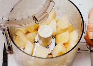 Celeriac-PUReE-Puree-de-Celeri-rave-steps 2