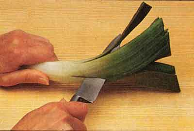 Cleaning-leeks-Vegetable-Garnishes