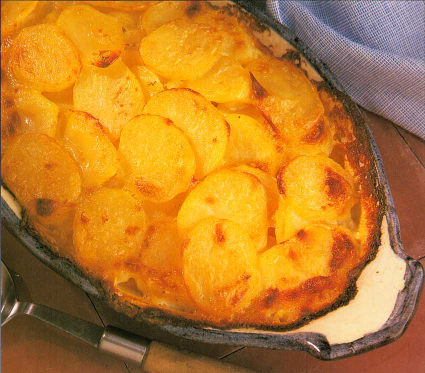 French Scalloped Potatoes Recipe-Pommes de Terre Dauphinoise-french style-calories