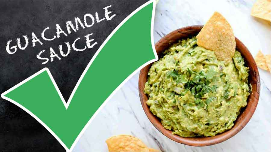 How-to-Make-Guacamole-Sauce-calories-nutrition-facts-tips