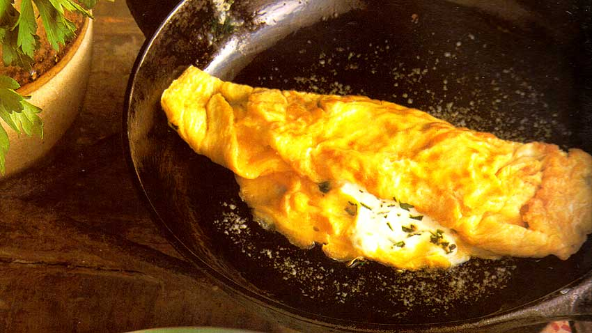 Omelette-with-herbs-Omelette-aux-Fines-Herbes-french-vegetarian-recipes-diet-foods