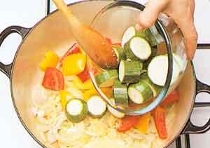 Provencal-vegetable-stew-Ratatouille-french-cuisine-calories-nutrition-steps2