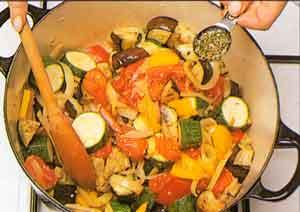 Provencal-vegetable-stew-Ratatouille-french-cuisine-calories-nutrition-steps3