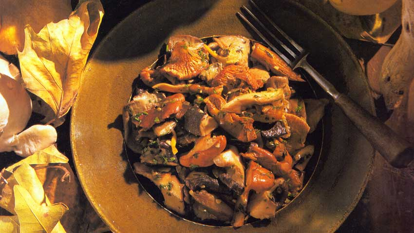 SAUTEED-WILD-MUSHROOMS-Champignons-Sauvages-a-la-Bordelaise-french-cuisine-vegetarian-recipes-diet-food