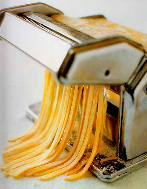 HOW-TO-drying-fresh-pasta-cooking-dried-pasta