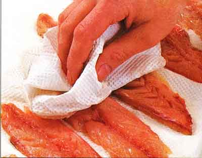 How-to-Remove-Skin-from-a-Fish-Fillet-step-by-step-with-photo4