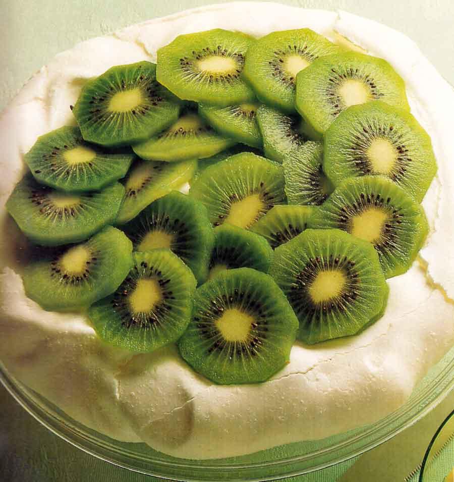 Kiwi-Fruit-Meringue-Cake-Recipe-low-fat-calories-low-fat-nutrition-facts