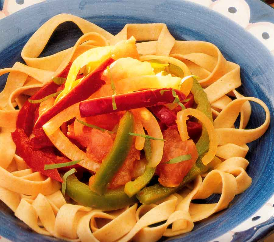 Peperonata-with-Wholemeal-Noodles-Recipe-low fat-calories-nutrition facts