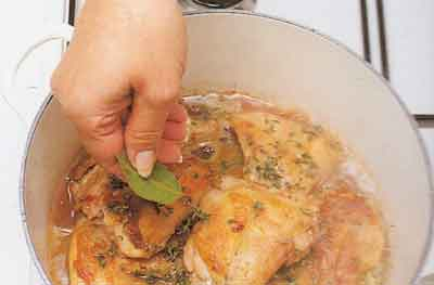 Casseroled-Rabbit-with-Thyme-Recipe-calories-Fricassee-de-Lapin-au-Thym-step-by-step