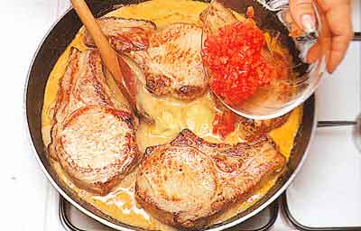 Pork-Chops-with-Tomato-Sauce-nutrition-facts-step-by-step with photos