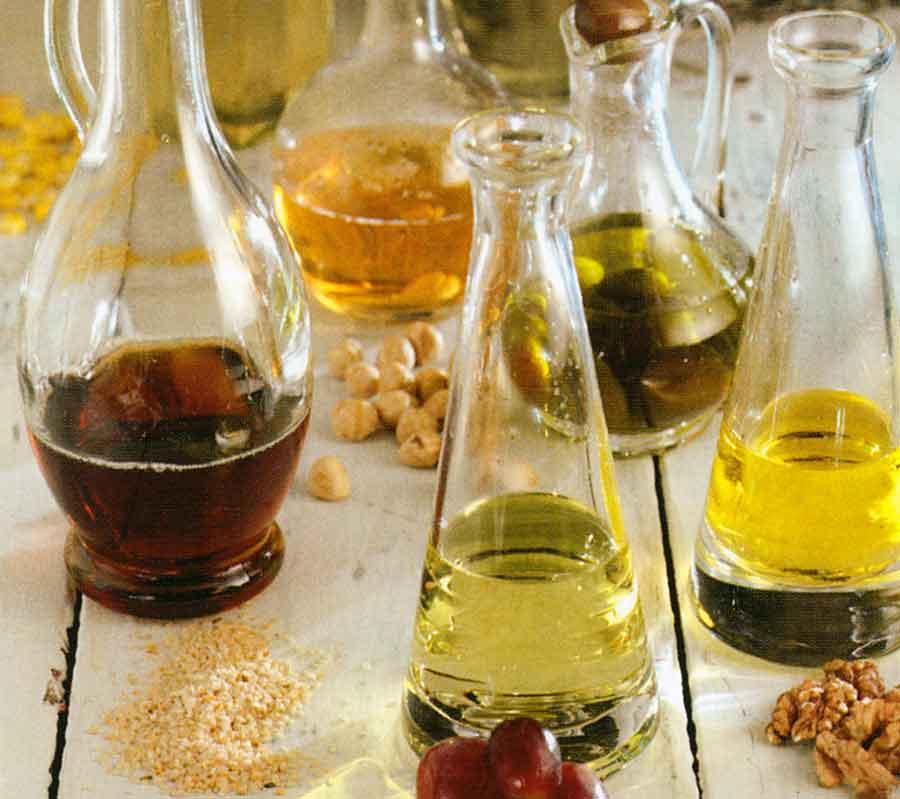 Salad-Dressings-Recipe-Classic-Vinaigrette-easy-Our Favorite Mustard Vinaigrette-White Salad Sauce