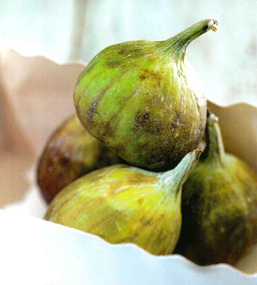 How to Choose-How to Store-How to Use Figs-Benefits of Figs-calories in fig-nutrition facts-tips